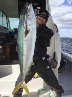 ビックファイター釣行 シマノ5番ぶち曲げました